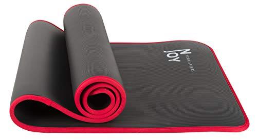 NJoy NBR Yogamatte/Gymnastikmatte/Fitnessmatte/Sportmatte mit Tragegurt in 183 x 61 x 1 cm Dicke | Matte für u.a. Pilates | Nachhaltig, Schadstofffrei & rutschfest in Schwarz - Rot
