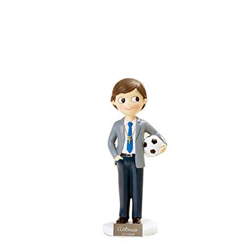 Figura comunión niño con balón para tarta. PERSONALIZADA con placa grabada con nombre y fecha