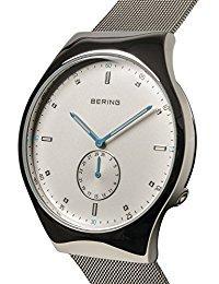 Bering Time 70142–004Herren Smart Traveler Collection Uhr mit Mesh Band und kratzfest Saphirglas. Entworfen in Dänemark.