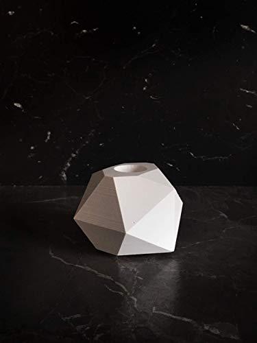 Schöne Deko. Kerzenhalter weiß in Diamantform. Engelskerzen Kerzenhalter Kerzenständer. Auch für Stabkerzen. Handgefertigt aus hochwertigem weißen Porzellanbeton