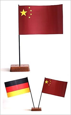 Tischflagge China 90x140 mm plus Bonus-Flagge nach Wahl, mit Ständer aus Holz, Gesamthöhe ca. 20 cm Tisch Flagge Fahne