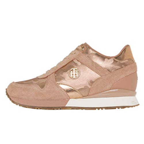 d02cc8644808a Tommy Hilfiger Women s Camo Metallic Suede Lace Up Trainer Rose Gold-Gold-6  Size