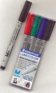 chessex-role-playing-play-mat-marking-pen-4-pack-staedtler-lumocolor-water-based-overhead-projection