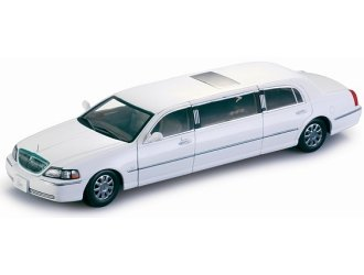 2003 Car Lincoln Town (Sunstar 1/18 Scale diecast 4201 Lincoln Town Car Limousine 2003 White Model Car)