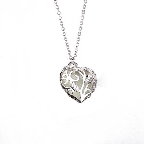 r dunklen Frauen Halskette aushöhlen Herz-Kristallanhänger Luminous Chocker Halskette ()