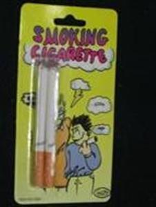 2 sigarette finte accese