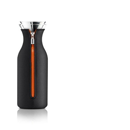 Eva Solo 1L Kühlschrank Karaffe mit Neoprenmantel, Reißverschluss, schwarz/orange