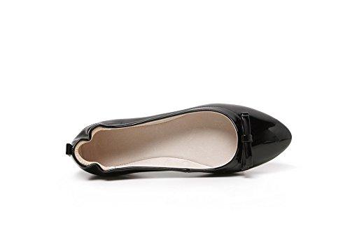 AllhqFashion Femme Pointu à Talon Bas Verni Couleur Unie Tire Chaussures à Plat Noir