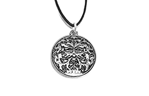 Round Pagan Green Man Oak Leaf Face Pendant (Silver Plated)