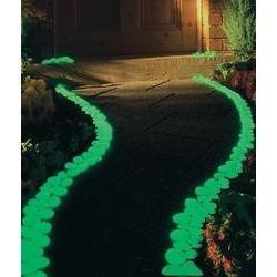 Leuchtsteine nachtleuchtende Steine Leuchtkiesel 100 Stück Dekoration Grün von Wenko - Du und dein Garten