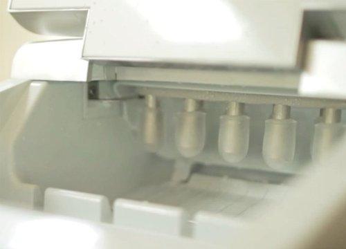 Machine à glaçons – Machine à glaçons sur plan de travail – Nouveau modèle compact – Sans plomberie – Rendement 15kg/24H
