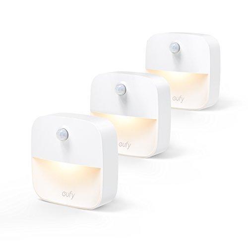 eufy Lumi 3 Pack LED Nachtlicht mit Bewegungsmelder, warmes weißes LED Lichter, Auto ON/OFF mit Lichtsensor, Bewegungssensor für Kinderzimmer, Schlafzimmer, Küche, Orientierungslicht,Schrank Lichter Energieeffizient (3 Pack)