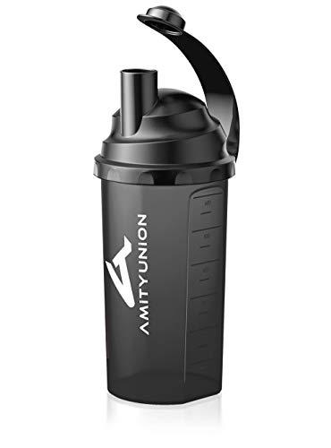 AMITYUNION Protein Shaker 800 ml & Sieb - Classic Fitness Becher Auslaufsicher - BPA frei mit Skala für cremige Whey Proteinpulver Shakes und Gym Isolate und BCAA Protein Konzentrate in Schwarz Smoke Logo Shaker Set