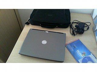 Dell E4200 Latitude / Intel U9600 Core 2 Duo 2x1600MHz / 12.1 Wide / 1280x800 WXGA / Intel Standard Shared Memory / 3072 MB / 60 GB SSD / N.V. / Ethernet LAN WLAN WWAN / W7PRO64 / DE / Akku OK / GK / / Retail Orange / (Dell Duo)