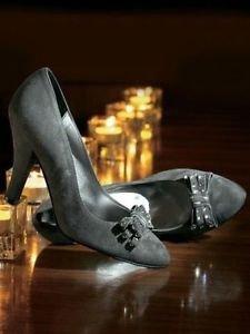 Scarpe in pelle scamosciata e il particolare in grigio Grigio (grigio)