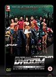 Dhoom e Dhoom 2. Edizione speciale di 3 DVD di un contenitore metallico. I film + caratteristiche speciali. Lingua: Hindi, sottotitolo: inglese.