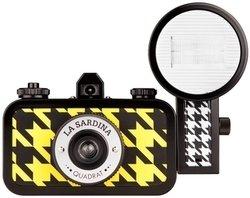 Lomography La Sardina Kamera mit Blitz-Quadrat