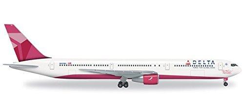 herpa-527002-delta-air-lines-boeing-767-400-pink-baache-by-herpa