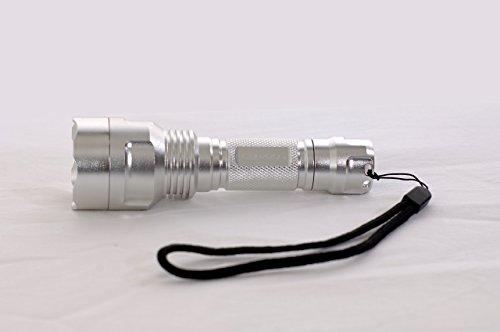 Preisvergleich Produktbild Convoy C8 1000 Lumen Taschenlampe mit über 600m Reichweite inkl. Akku und USB-Ladegerät