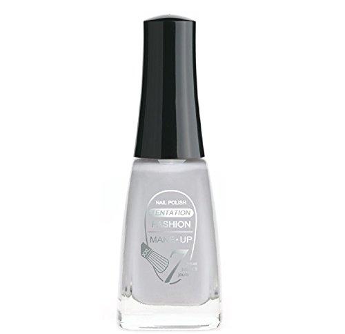 vernis à ongles gris clair, pinceau plat, tenue jusqu'a 7 jours