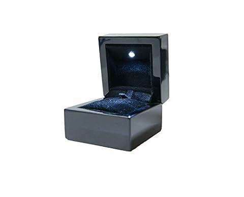 Luxury LED Wooden Jewelery Ring Box - High Gloss Black with Black Velvet Insert DSC014