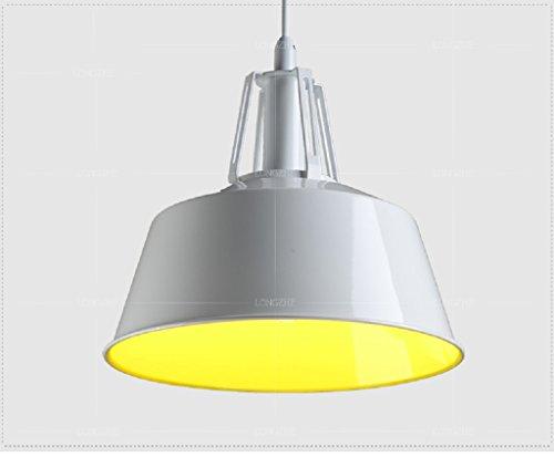 Lungo coperchio lampadario d'epoca dal moderno loft industriale illuminazione capannone industriale ristorante all'aperto (Capannone All'aperto)
