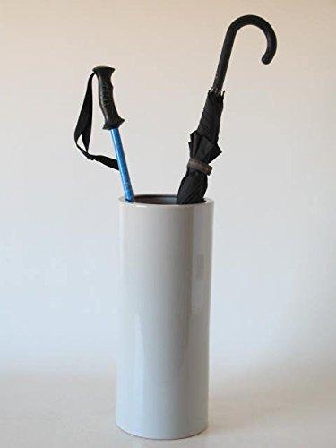 paraguero-de-ceramica-hecho-a-mano-en-torno-alfarero-con-diseno-de-tubo-esmaltado-en-color-gris-clar