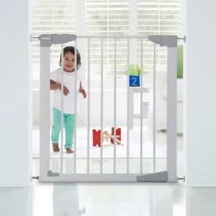 Lindam Sure Shut orto Safety Gate.