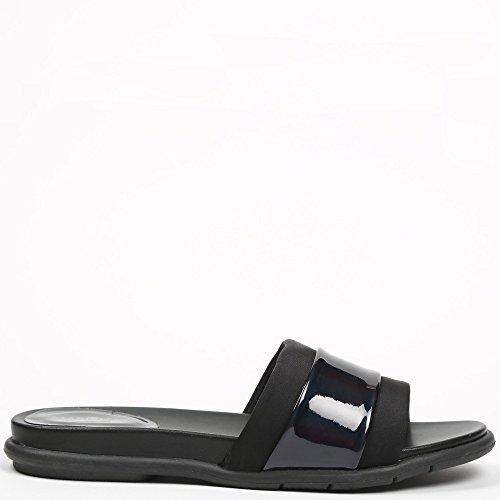 Ideal Shoes Nu-Pieds Noir avec Lanière Effet Métalisé Fannia Noir