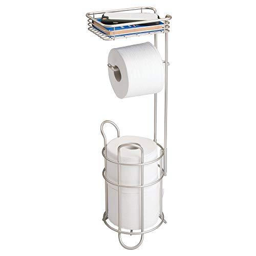 mDesign Toilettenpapierhalter – eleganter Papierrollenhalter aus Metall – WC-Rollen-Halter mit Regal – praktische Aufbewahrung fürs Badezimmer – mattsilber