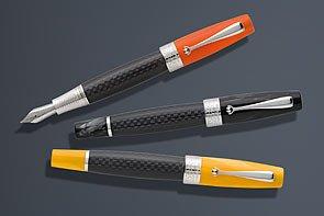 Montegrappa Miya Carbon Kugelschreiber, Schwarz/Gelb, Versilberte Beschläge