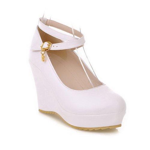 VogueZone009 donna,materiale morbido PU pure scarpe a punta chiusa e tonda coi cuneo tacchi alti,fibbia metallica e catena metallica Bianco