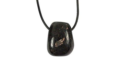 Pendentif nuummite (pierre trouée)
