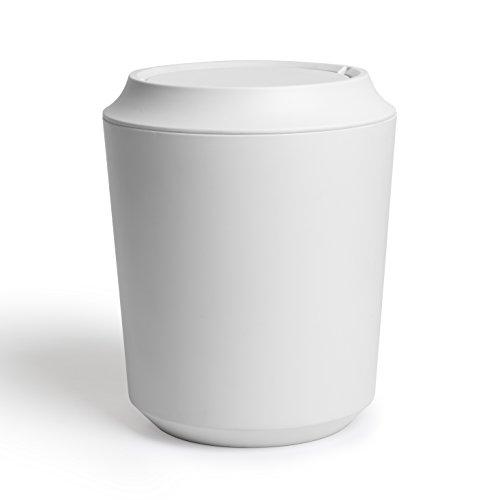 UMBRA Corsa Can with lid. Poubelle de salle de bain avec couvercle Corsa.  Coloris d2a44b1cba3