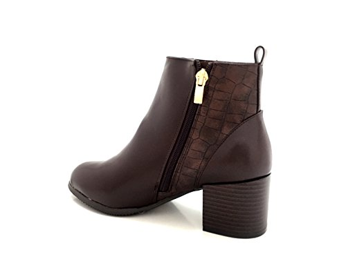 CHIC NANA . Chaussure femme bottine low boots richelieu style similicuir vernis, bride cheville, effet croco. Marron