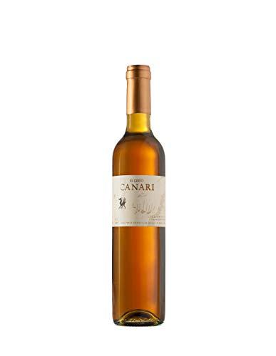 Este vino dulce añejo es nuestra interpretación de los afamados Canari del Siglo XVII que se exportaban a Inglaterra. Para elaborarlo ensamblamos tres partidas de las añadas de 1956, 1970 y 1997. Estos vinos se elaboraron en su día asoleando los raci...