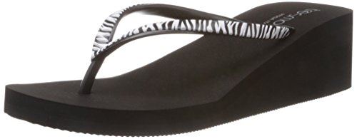 Tresmode Women's Eweine Black Flip Flops And House Slippers