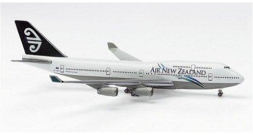 500678-herpa-wings-boeing-747-400-air-new-zealand