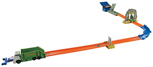 Hot Wheels - Pista acrobática, Ataque de Zombie (Mattel DJF03)