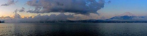 Digitaldruck / Poster Hady Khandani - PANO - MOUNT FUJI AND LAKE YAMANAKA - JAPAN 01 - 440 x 110cm - Premiumqualität - HADYPHOTO, Fotografie - MADE IN GERMANY - ART-GALERIE-SHOPde (Lake Yamanaka Mount Fuji Japan)