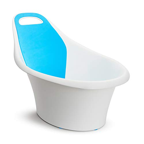 Munchkin Sit and Soak Baby Bath Tub with Built-in Support Bump and Padded Foam Back Rest, Bonus Pull-Tab Drain and Storage Hook, 0-12 Months, White