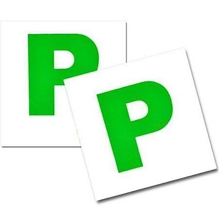 green-p-square-car-magnet-magnetic-for-new-drivers-badge-plate-self-adhesive-car-accessory-2-magnets