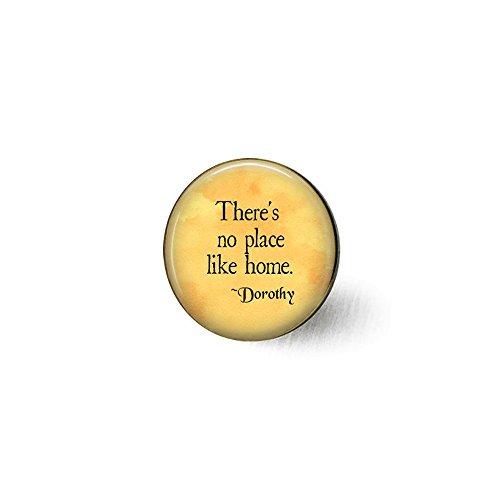 qws Toto Brosche mit Zitat There's No Place Like Home, Zauberer von Oz Schmuck, Zitat von Dorothy - Rubinhausschuhe - Geschenk für Zuhause - Willkommen zu Hause - Toto Brosche
