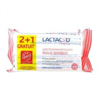 lactacyd-pharma-lingettes-intimes-nettoyantes-peaux-sensibles-lot-de-3-x-15-lingettes