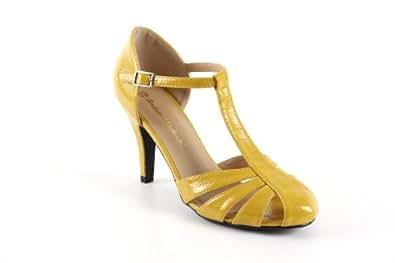 chaussures style charleston en jaune vernis et talon chaussures et sacs. Black Bedroom Furniture Sets. Home Design Ideas