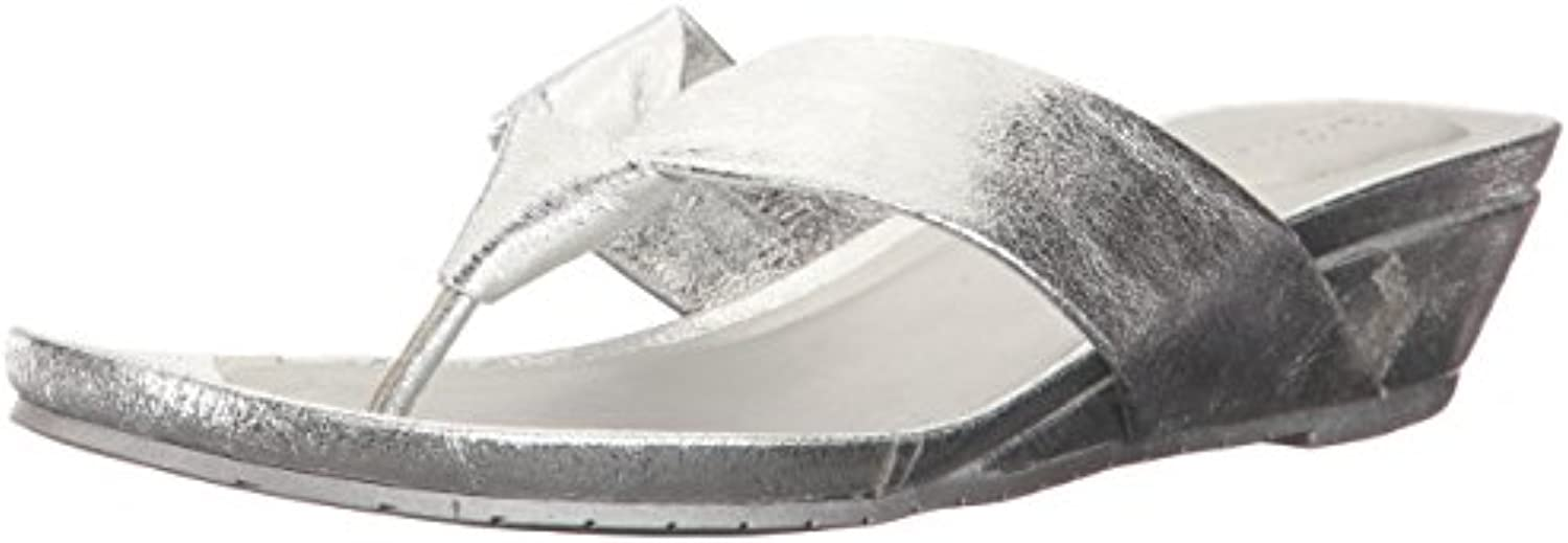 Kenneth Kenneth Kenneth Cole REACTION Women's Great Date Low Thong Metallic Wedge Sandal, Silver, 8.5 M US 39d29f