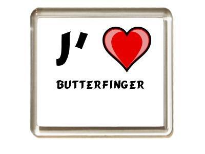 aimant-de-frigo-avec-une-inscription-jaime-butterfinger-noms-prenoms
