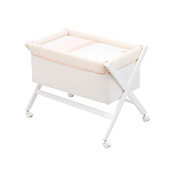 Cambrass Small Bed x Wood Une Cambrass Wooden structure in white wood Suitable for the baby's first months 4 wheels: easy to move around the house 9