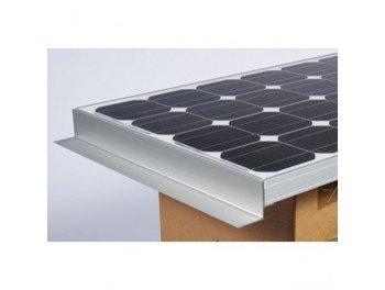 Este kit solar para Camping Car se compone: 1panel solar con los soportes, 1limitador de carga (Phocos permite regular hasta 170W), 1cartucho de adhesivo 310ml, 1apto para techo, 6m de cable y 2sellos limpiadores. Pmax (W) 120Vmp (V) 18Imp ...