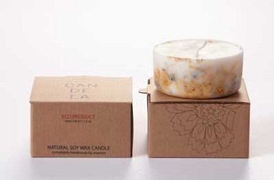 Marigold Flowers Soy Wax Candle by Munio Candela